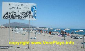 Graffitteed illegal sign at Vera Playa - copyright www.veraplaya.info 2003