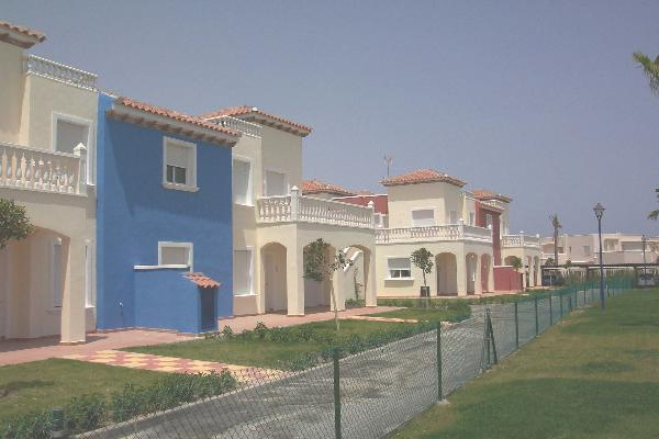 Front row of apartments at Torremar, swimming pools to right - photo copyrigh Ralph Robertson 2002
